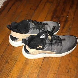 Nike Huarache Womens Size 8.5